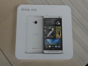 HTC ONE 外箱1